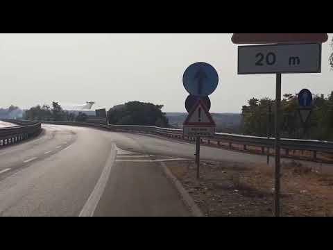 Lecce, fuoco lungo la tangenziale ovest: arrivano i canadair
